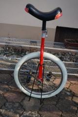 20 Einrad mit Ständer.jpg